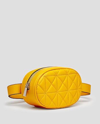 Bel çantası etiketli