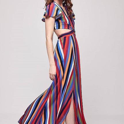Sırt ve bel detaylı uzun elbise