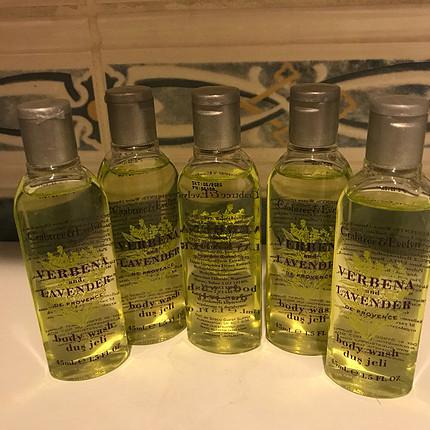 Hilton vücut şampuanı