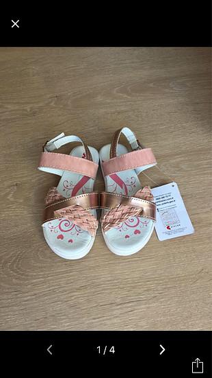 İki ayakkabı