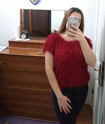 Kırmızı-Bordo Tüylü Tshirt