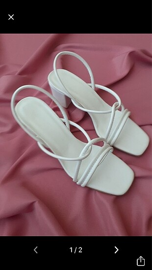 Beyaz topuklu terlik sandalet