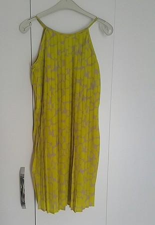 Mudo piliseli kısa elbise