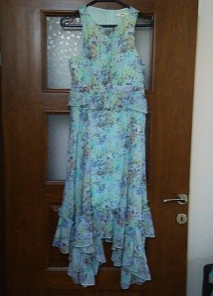 Koton asimetrik kesim desenli elbise