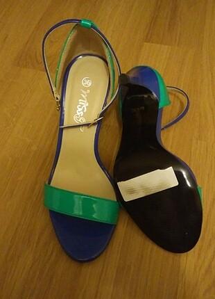 İnce topuklu bantlı turkuaz ayakkabi