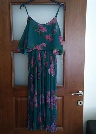 Yeşil çiçekli elbise