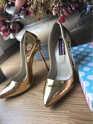 Pelinin Ayakkabıları Pelinin Ayakkabıları Gold Stiletto