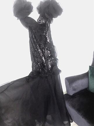 Üstü payet altı organze abiye balık elbise