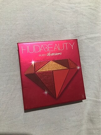 huda beauty ruby obsessions palet