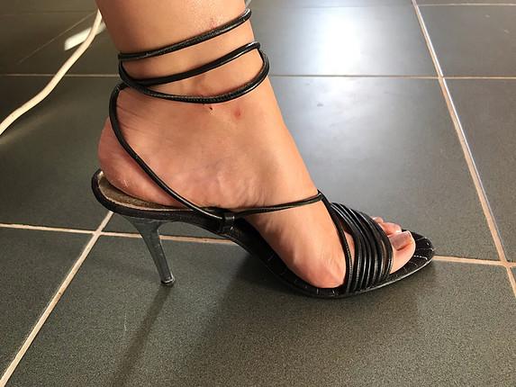 Zara Gercek deri Baglamali topuklu ayakkabi