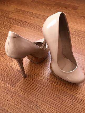 Diğer Pudra rengi rugan topuklu ayakkabı