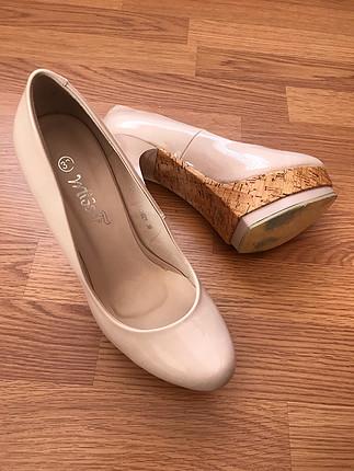 38 Beden Pudra rengi rugan topuklu ayakkabı