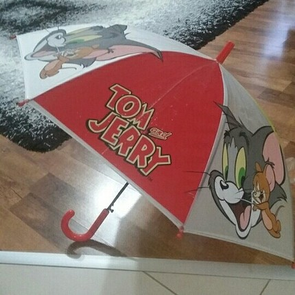Tom ve Jerry şemsiye