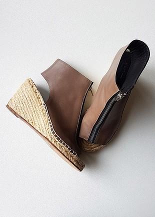 Celine Dolgu Topuklu Fermuarlı Deri Ayakkabı