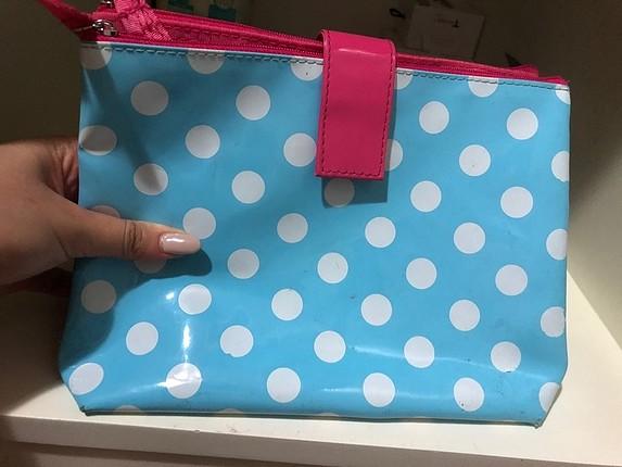 Puantiyeli makyaj çantası