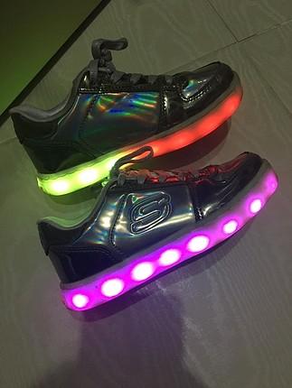 Işıklı Skechers