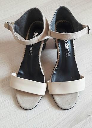kısa topuk ayakkabı