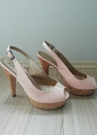 Pudra renk rugan çok şık ince topuklu platform ayakkabı