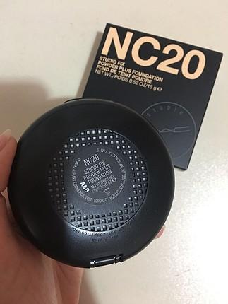NC20 studio fix pudra