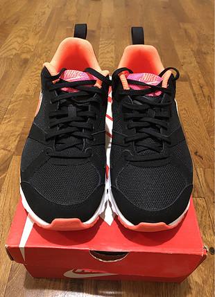 Nike Air Max Muse - 40,5