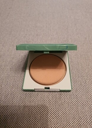 Clinique stay matte sheer pudra