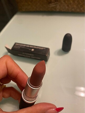 Mac Powder Kiss - Sultry Move 921