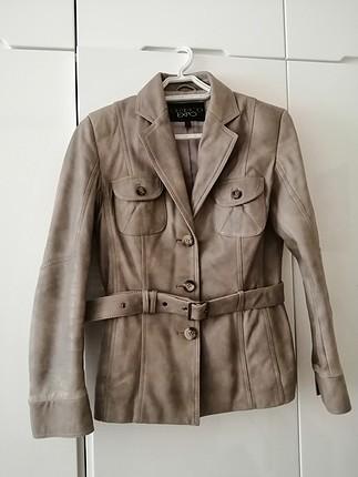 Derimod bej rengi sıfır ayarında belden kemerli ceket
