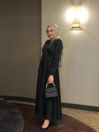 Aker Siyah simli tesettür elbise