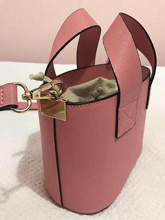 Zara pembe askılı çanta