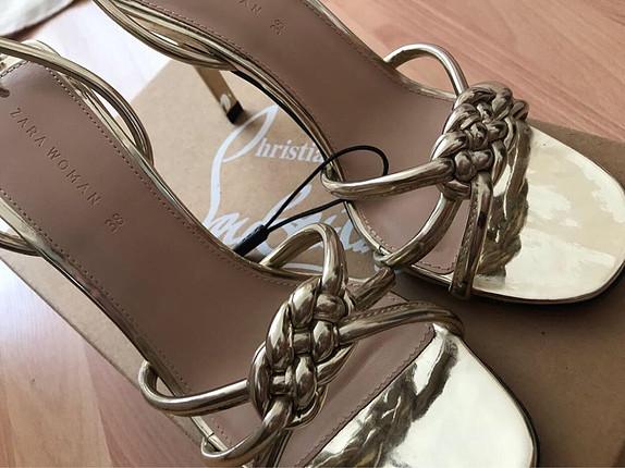 Zara İnce topuklu dore abiye ayakkabı