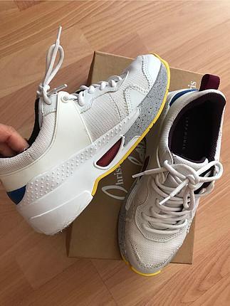 37 Beden beyaz Renk Zara trend spor ayakkabı