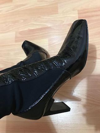 37 Beden Zara çorap çizme