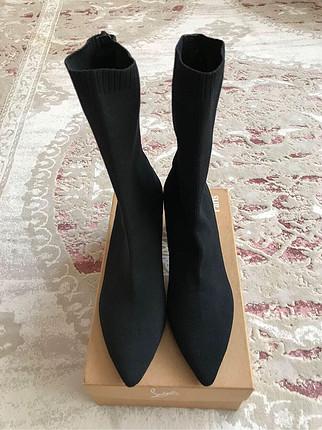 37 Beden siyah Renk Zara çorap bot
