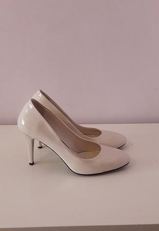 Divarese 37 Beyaz Rugan Ayakkabı