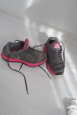 36 Beden gri Renk Nike spor ayakkabi
