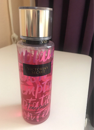 Victorias Secret Temptation Vücut Spreyi 250ml