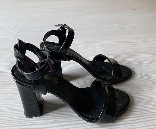 Bambi Siyah topuklu ayakkabı