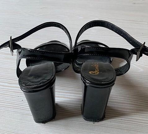 36 Beden Siyah topuklu ayakkabı