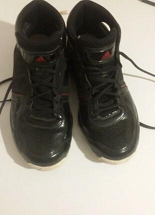Basketbol ayakkabisi