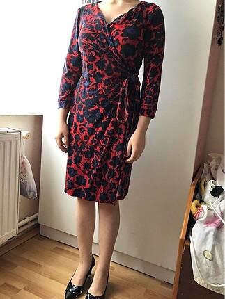 Anvelop model kırmızı mor desenli elbise
