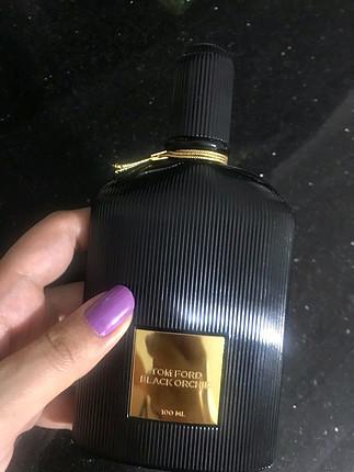 Boş parfüm şişesi