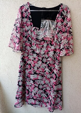 Trendyol etiketli elbise