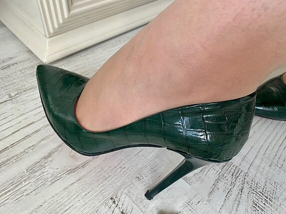 Zümrüt yeşili stiletto