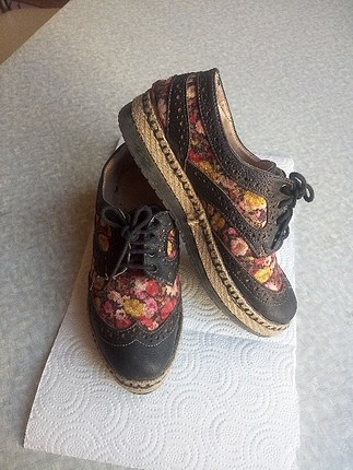 çiçekli oxford ayakkabı