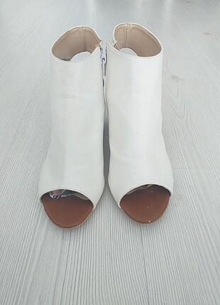Topuklu ayakkabı beyaz