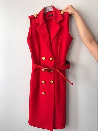 Kırmızı şık elbise