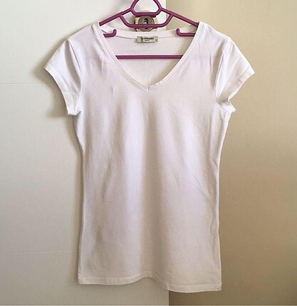 Beyaz basic tshirt