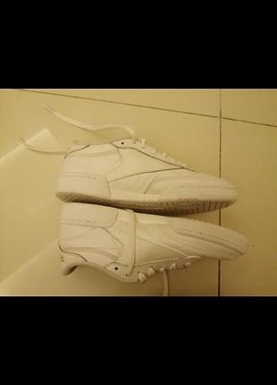 Reebok beyaz ayakkabi