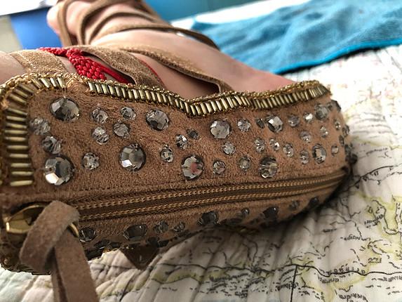 P&B pull and bear sandalet taşlı işlemeli