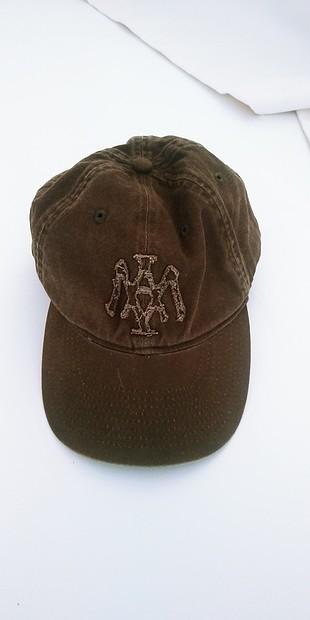 haki şapka